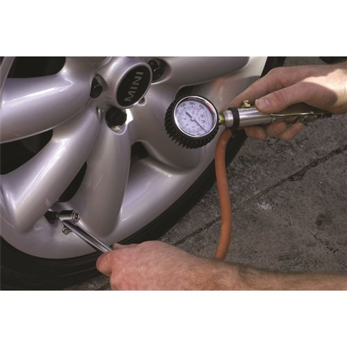 3-IN-1 TYRE INFLATOR 1